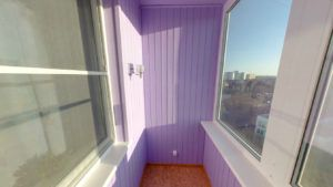 вагонка на балконі